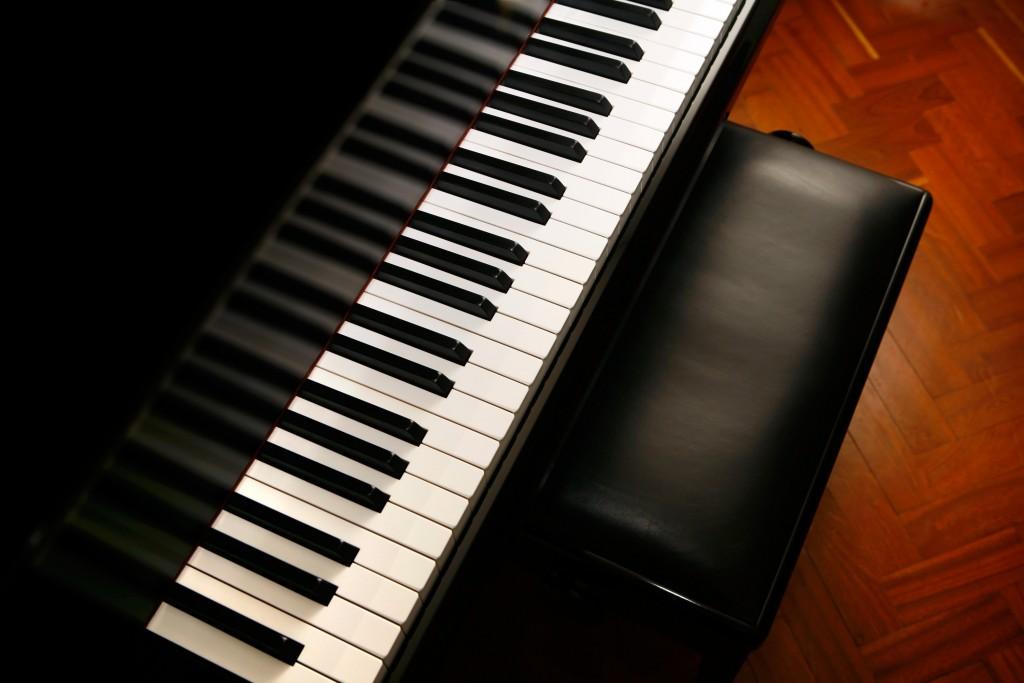 Piano Flyer