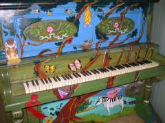 Pianted pianos